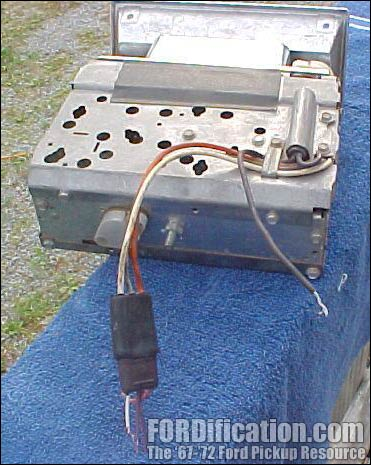 factory am fm radio wiring the fordification com forums here s a picture of what you should be seeing this is a 71 72 am fm radio