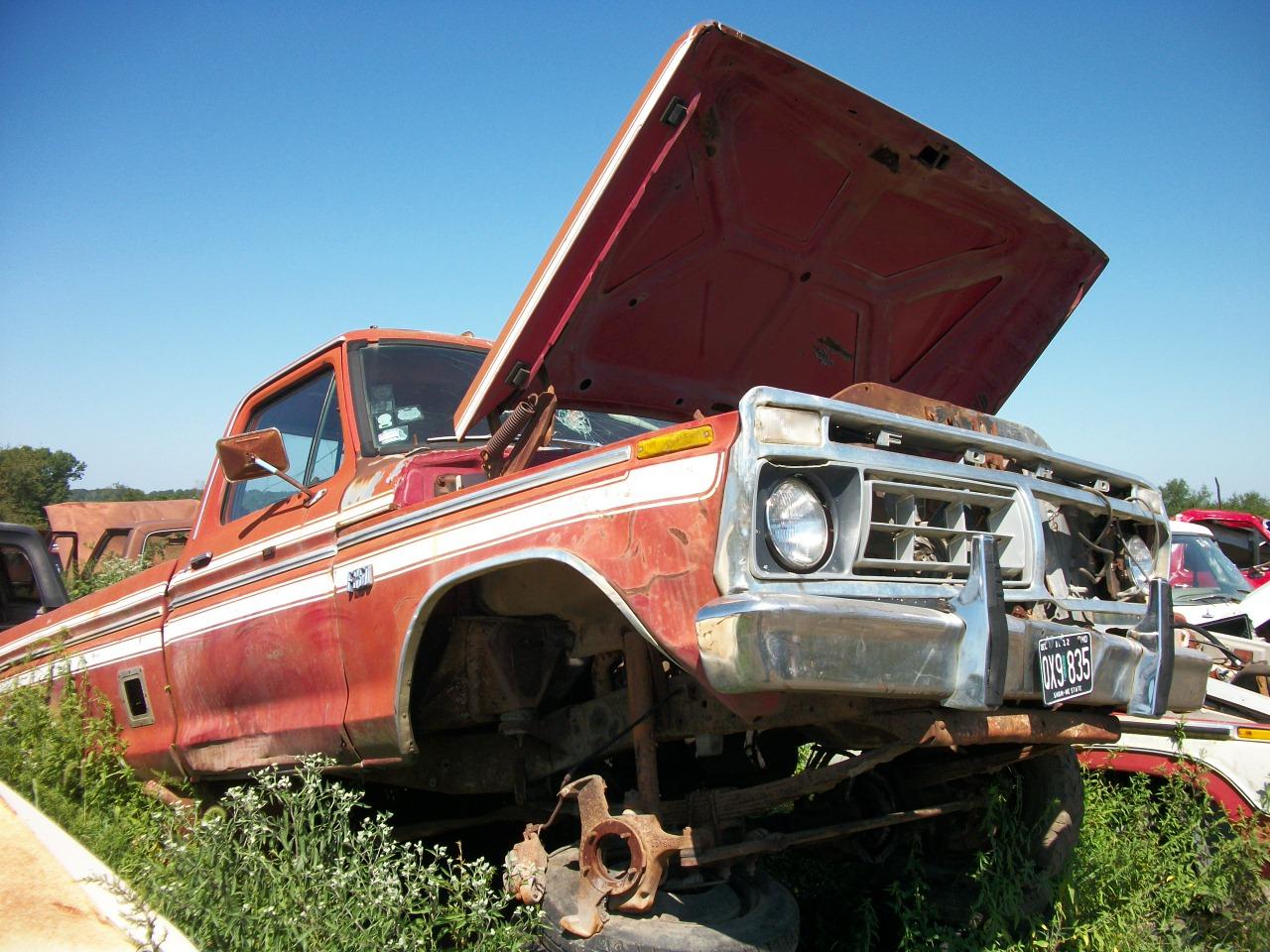 Junk Yards Trucks
